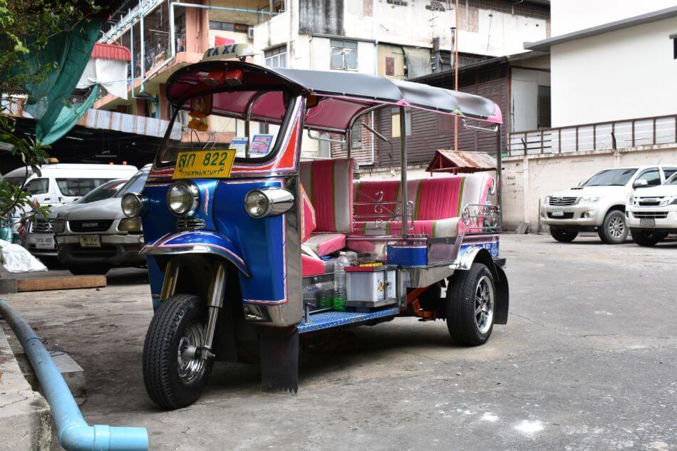 De tuktuk is het bekende vervoermiddel in Bangkok