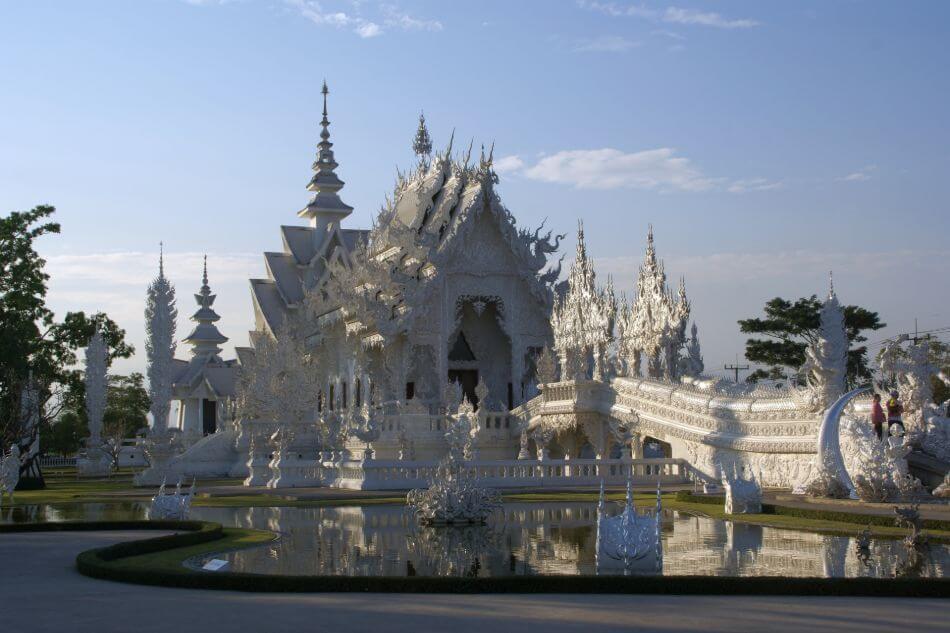 De witte tempel in Chiang Rai is anders dan alle andere tempels