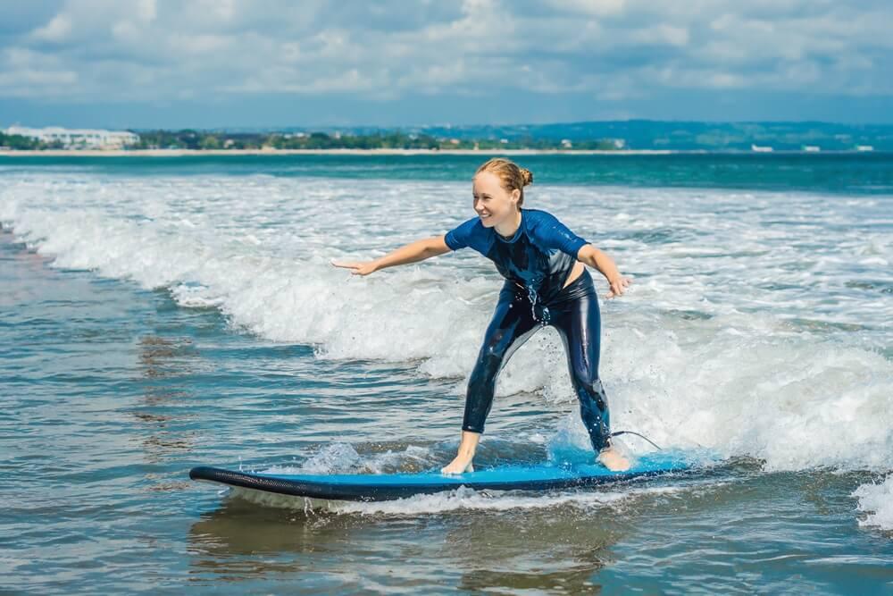 Kuta is een populaire surfspot op Lombok.
